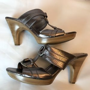 Sofft Metallic Leather Strapless Heels Sandals
